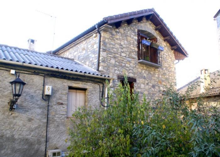 Casa pareada a la entrada del parque nacional de ordesa y monte perdido europirineos agencia - Apartamentos en ordesa y monte perdido ...