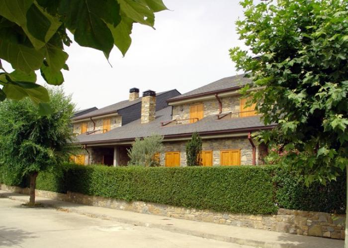 Vivienda adosada en pueblo del pirineo europirineos - Casas del pirineo ...