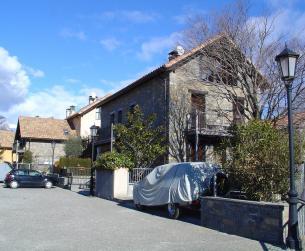Casa adosada con buenas vistas en zona de Aínsa en venta
