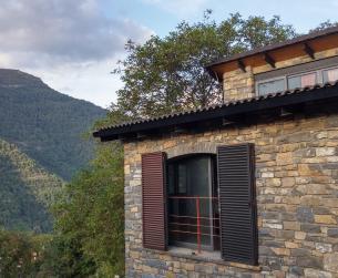 Gran borda tradicional rehabilitada con terreno y vistas en venta en Fiscal