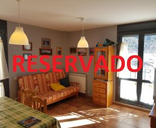 Piso con terraza, garaje y trastero en venta en Boltaña
