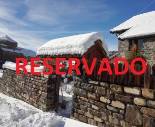 Casa tradicional con terreno en venta en el valle del Aragón