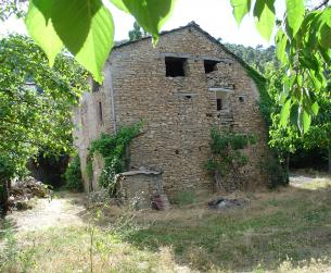 Casa tradicional con terreno en venta en La Fueva