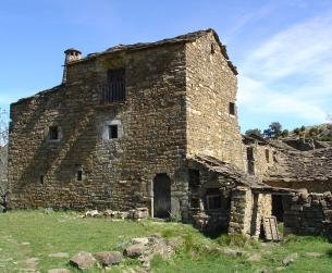 Casa tradicional con terreno en Sobrarbe en pleno Pirineo en venta