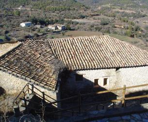 Gran casa tradicional con pajares y era cerca de Aínsa en venta