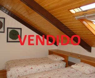Vivienda dúplex con terraza en Aínsa en venta
