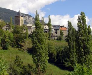 Casa tradicional con chimenea en el Valle de Chistau en venta