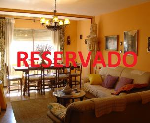 Gran piso de 4 dormitorios con terraza en Aínsa en venta