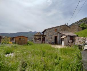 Refugio habitable con jardín en pueblo de Ordesa en venta