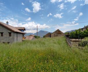 Solar de 640m2 en pueblo del valle del Ara cercano a Fiscal en venta