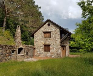 Casa de piedra con terreno en venta a la entrada del Parque Nacional de Ordesa