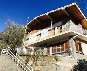 Chalet con terreno y garaje en Boltaña en venta