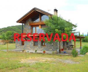 Casa tradicional junto a lago en zona de Aínsa en venta