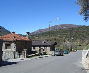Solar urbano de 200 m2 en Boltaña