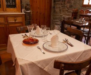 Gran hotel-restaurante tradicional junto al Parque Natural de Guara