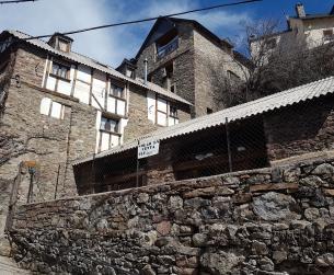 Encantadora casa con jardín a rehabilitar en el Valle de Chistau