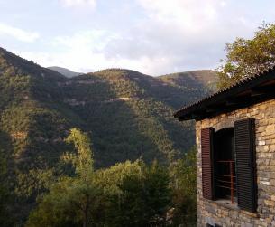 Gran borda tradicional rehabilitada con terreno y vistas cerca de Fiscal