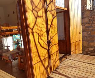 Vivienda adosada en el mismo pueblo de Aínsa