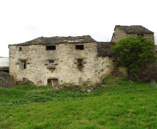 Casa de piedra y losa a rehabilitar en Sierra de Guara. Ideal para Turismo Rural.