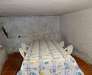 Casa tradicional bajo la Peña Montañesa