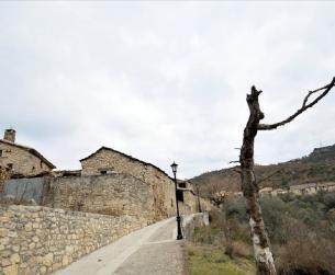 Casa a rehabilitar con elementos de arquitectura tradicional