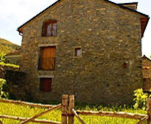 Casa tradicional recien rehabiliatada en el Valle del Rio Ara