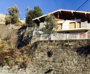 Chalet con terreno y garaje en Boltaña