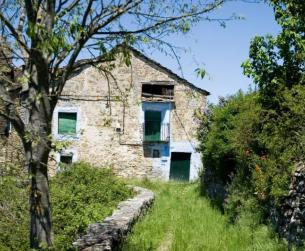 Casa tradicional con bordas y 16 Ha de terreno