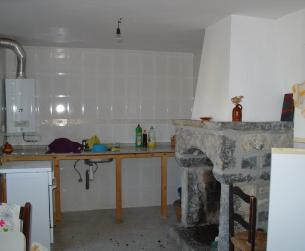 Casa tradicional de piedra y losa