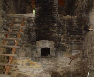 Casa tradicional con apartamento para turismo rural en valle del Ara