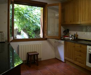 Casa rehabilitada con jardín, garaje y vistas a 5 minutos de Aínsa