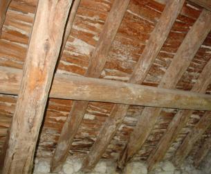 Maderos del tejado en buen estado