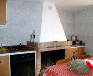 Cocina con chimenea