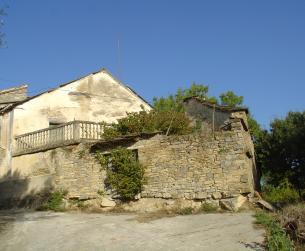 Casa tradicional con terreno y magníficas vistas cerca de Aínsa