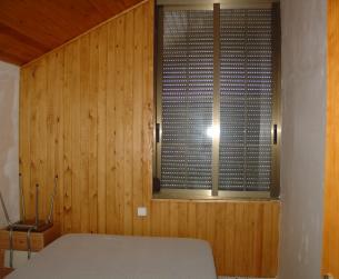 Casa tradicional en finca de 10.000 m2 con vistas al embalse