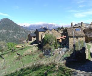 Casa tradicional con terreno en pleno Pirineo