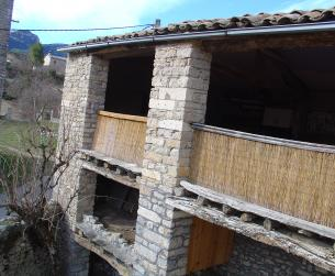Maravillosa casa rural con terreno en el Parque Natural de Guara