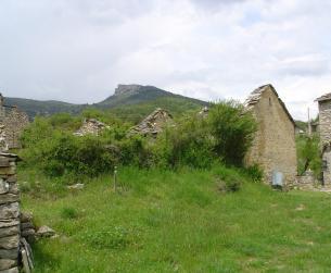 Borda con terreno en venta en el Parque de Guara