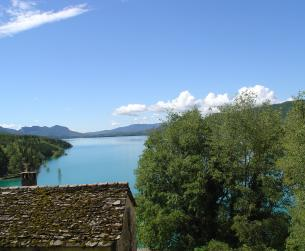 Solar en venta junto al lago de Mediano