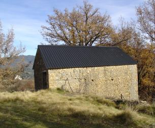Bordas a rehabilitar en pueblo del valle del Ara