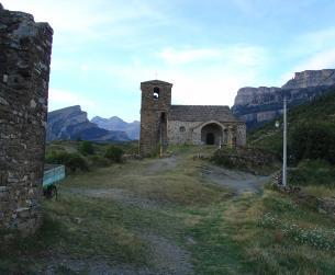 Casa tradicional de piedra y losa a rehabilitar en Ordesa