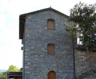 Casa tradicional habitable próxima al pantano de Mediano