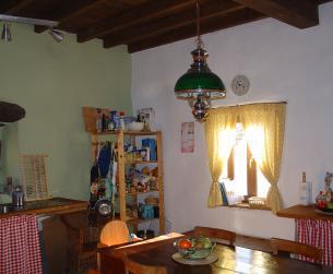 Bonita casa tradicional habitable con terreno en Valle de La Fueva