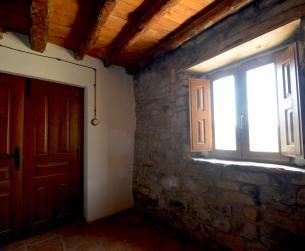 Gran casa tradicional con fincas rústicas