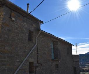 Casa tradicional con terreno y vistas cerca de Aínsa