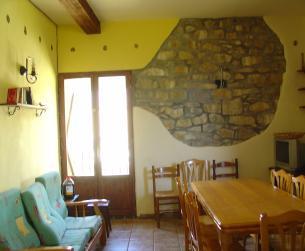 Casa tradicional con jardín totalmente rehabilitada cerca de Fiscal