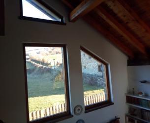 Casa tradicional con jardín y vistas en el valle del Aragón