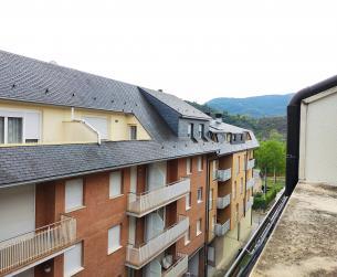 Ático con terraza y garaje en Aínsa