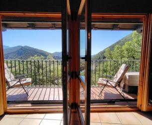 Casa rehabilitada con vistas en gran finca cerca de Boltaña