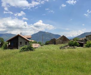 Solar de 640m2 en pueblo del valle del Ara cercano a Fiscal